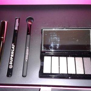 Soap & Glory Makeup - ExtravaGlamza pop-up boudior makeup box